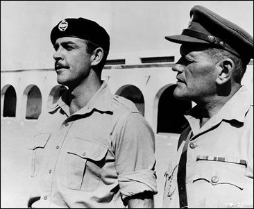 Sean Connery y Harry Andrews, en The Hill