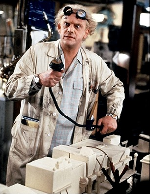 Christopher Lloyd es Doc Emmet Brown