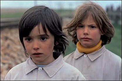 Ana Torrent e Isabel Tellería, magnificas ambas en El espiritu de la colmena