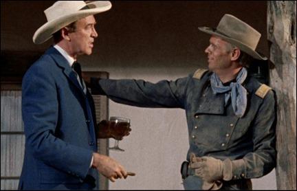El soldado Gary y el marshall McCabe, en Dos cabalgan juntos