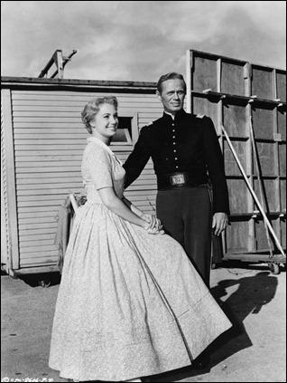 Widmark y su chica, Shirley Jones, en Dos cabalgan juntos